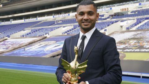 Tecatito Corona, elegido como mejor futbolista del Porto en el año