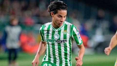 Diego Lainez podría estar en lista de transferibles del Real Betis