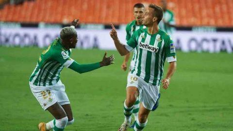 Betis sorprende al Valencia y es nuevo líder