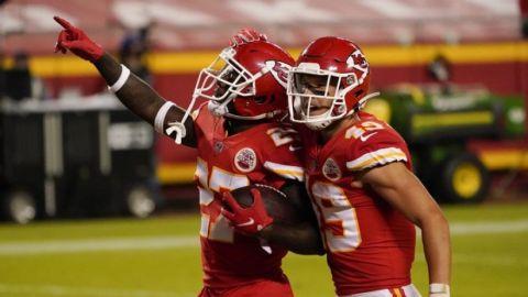 Defensiva impulsa a los Chiefs a triunfo sobre Patriots