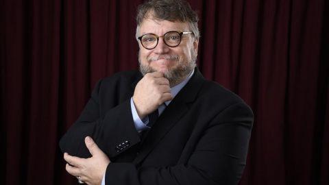 Guillermo del Toro regala vuelos a mexicanos