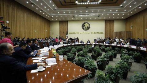 INE revela empresas que harán la tercera encuesta para Morena