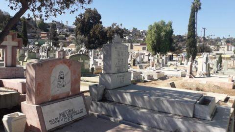 Panteones se preparan para abrir el 2 de noviembre en Tijuana