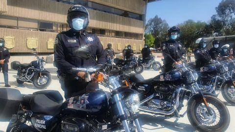 Entregan motocicletas a policías de Tijuana