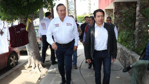 El alcalde con licencia, Arturo González Cruz felicita a Mario Delgado