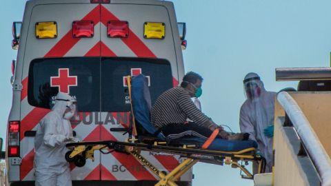 Muertes por COVID-19 en EEUU podrían llegar a medio millón en febrero