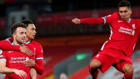Firmino y Diogo Jota alivian al Liverpool