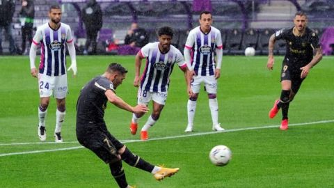 Alavés resurge a costa de un paupérrimo Real Valladolid