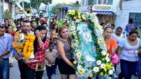 Pese a covid-19, cientos de fieles de San Judas Tadeo se reúnen a celebrarlo