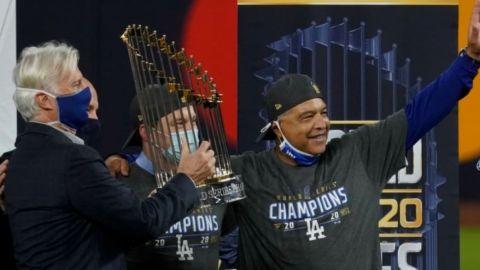 Roberts guía por fin a los Dodgers al título