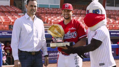 Par de jugadores de Mexicali recibieron su guante de oro