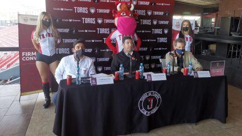 Toros firma convenio de trabajo con el Ayuntamiento de Ensenada