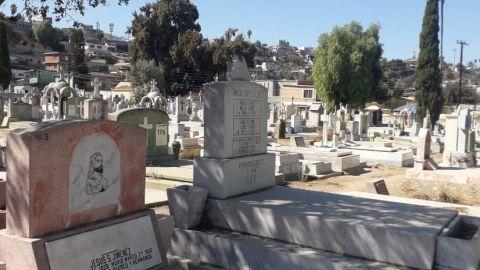 Panteones en Tijuana permanecen cerrados