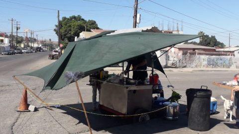Comerciantes afectados por cierre de panteones en Tijuana