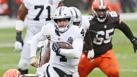 En duelo mermado por mal clima, Raiders doblegan a Browns