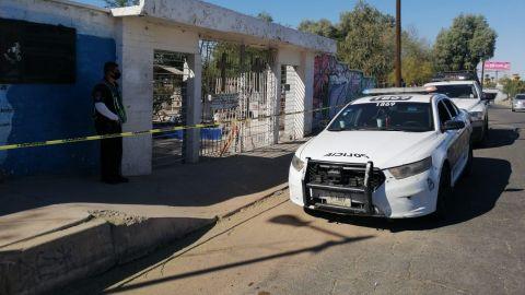 Panteones cerrados y resguardados por la policía en Mexicali