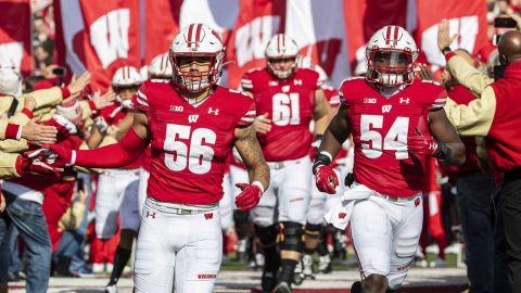 Más positivos por Covid-19 en el equipo de la Universidad de Wisconsin