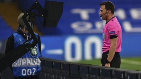 UEFA pide a FIFA flexibilizar regla de la mano