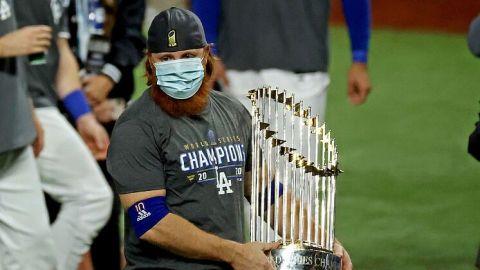 Justin Turner en duda para seguir con Dodgers