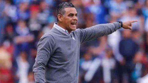 """""""Pity"""" Altamirano, sorprendido por el plantel del Querétaro"""