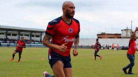 """""""Chatón"""" Enríquez deja al Club Veracruzano por falta de pago"""