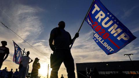 Facebook elimina ''Stop the Steal'' por incitar a protestas a favor de Trump