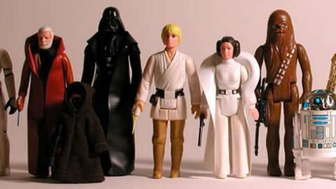 Encuentran en bolsas de basura objetos de Star Wars que valen 500,000 dólares
