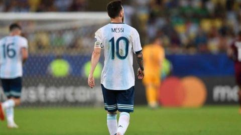 Messi se integra a la concentración de Argentina
