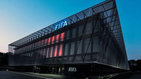 Banco suizo acuerda cubrir multas por corrupción en FIFA