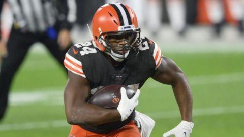 Los Browns recuperan a Chubb; Mayfield en duda ante Houston