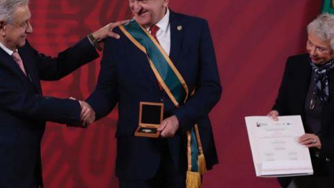 Jesús Seade recibe condecoración Miguel Hidalgo por firma de T-MEC