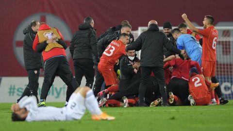 Gol de Pandev clasifica a Eurocopa a Macedonia, que jugará su primer gran torneo