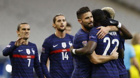 Giroud lidera la remontada francesa