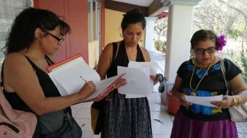 Despiden a maestra que acompañó a alumnas a denunciar acoso en Oaxaca