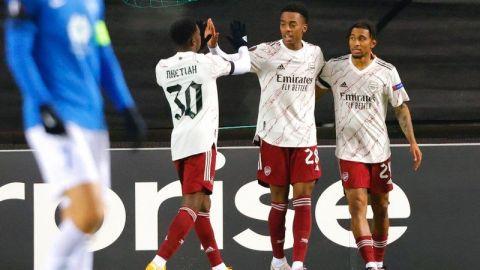 Arsenal y Leicester avanzan en la Liga Europa