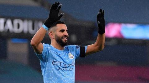 Mahrez reactiva al City con un triplete