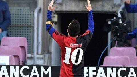 Messi rinde tributo a Maradona al mostrar la playera de Newell's