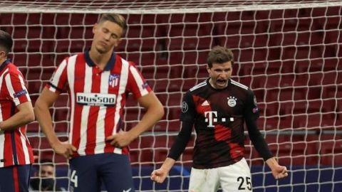 Müller, de penalti, niega al Atlético el pase a octavos