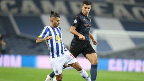 'Tecatito' titular en igualada del Porto en Champions y va a Octavos