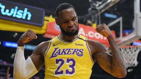 ¡Hay 'Rey' para rato! LeBron firma extensión de contrato