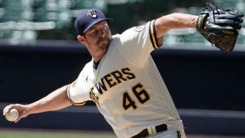 Dodgers adquieren al relevista Corey Knebel