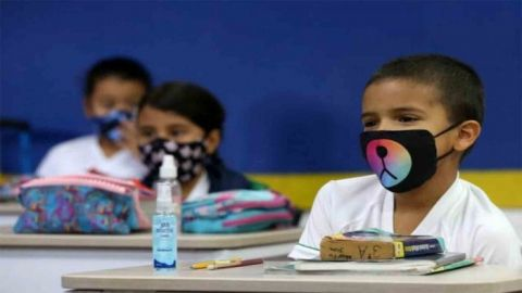 SEP analiza con maestros regreso a clases presenciales: AMLO