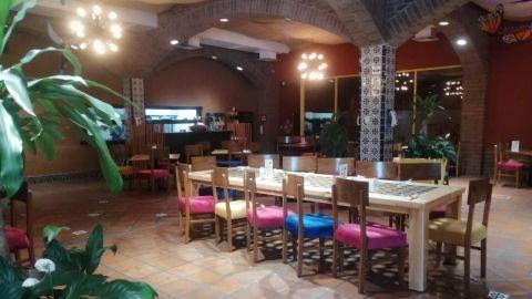 Son las fiestas clandestinas, no somos nosotros: Restaurantes