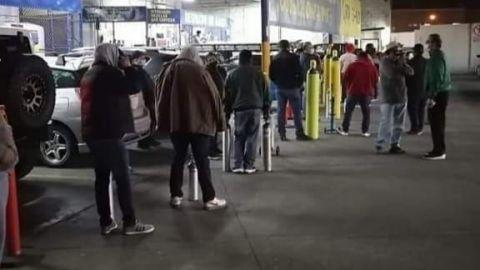 Largas filas para comprar oxígeno