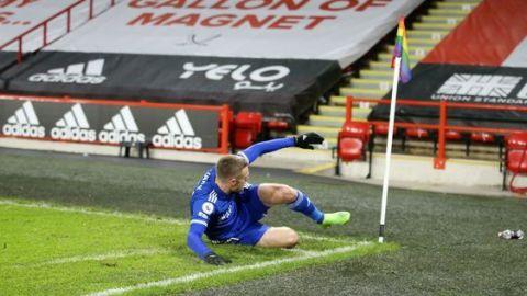 Vardy da agónica victoria a Leicester en Sheffield