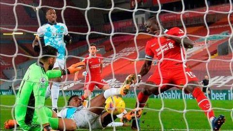 Wolverhampton cae ante el Liverpool en su primer partido sin Raúl Jiménez