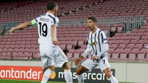 Doblete de Cristiano y la Juventus derrota al Barcelona en Champions