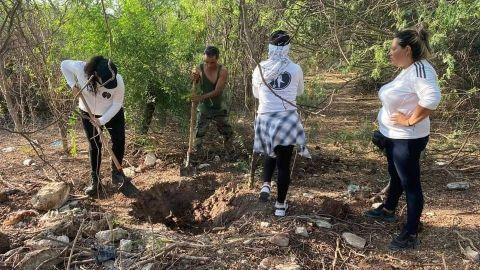 Rastreadoras encuentran restos humanos cerca del Congreso de Sinaloa