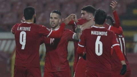 Serbia despide a su técnico tras no clasificar a la Eurocopa