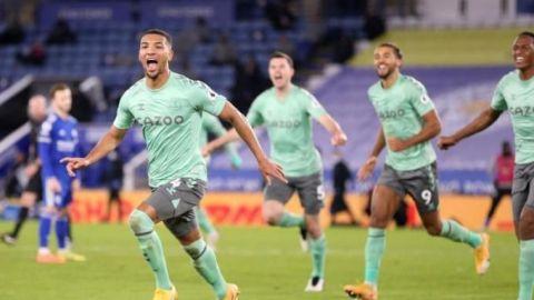 El Leicester deja el camino libre al Liverpool y al Tottenham